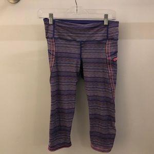 Lululemon purple & pink stripe crops sz 6 68214
